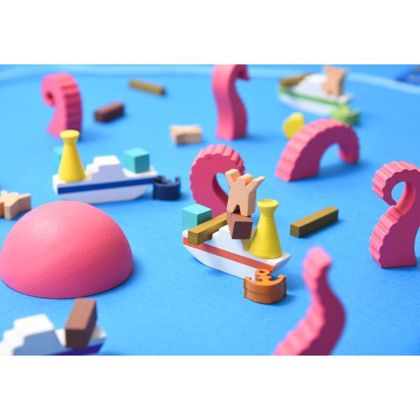 Crash Octopus Board Game components.